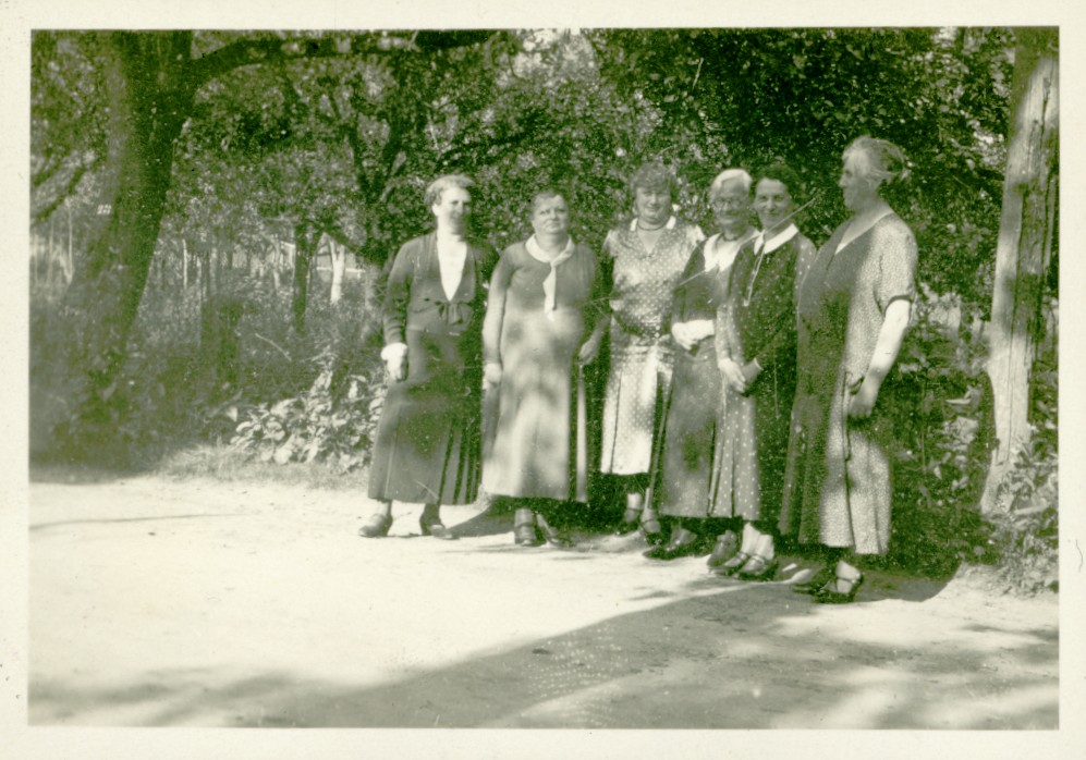 photo with the Jewish mothers of Steinsfurt, abt 1934